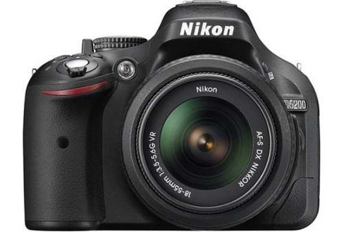 Nikon D5200 Digital SLR + 18-55mm VR Lens (Stav A)